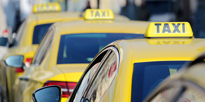 taxis queuing up